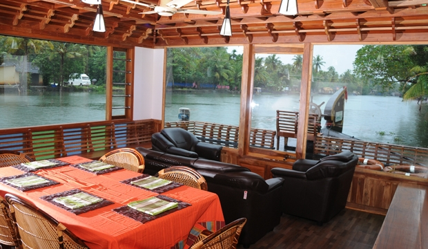 houseboat honeymoon packages